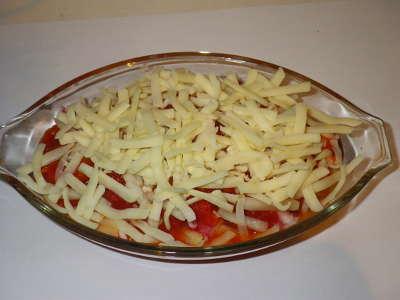 トマトソースと溶けるチーズ