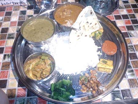 ヤタラスパイス:ネパール定食(チキン)