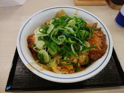 カツヤ:青ねぎ味噌カツ丼