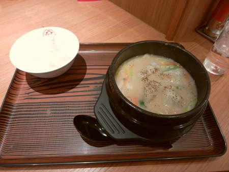 大阪王将:白湯餃子鍋定食