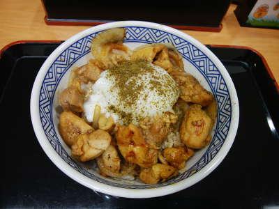 吉野家:鶏すき丼