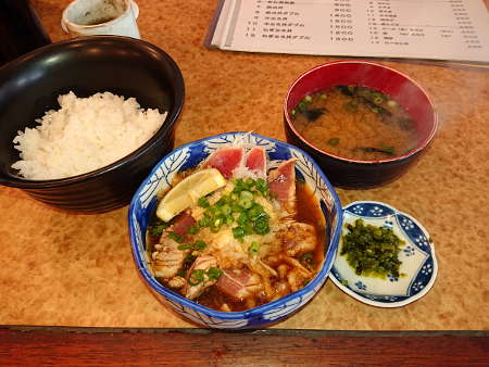 まぐろ小屋:タタキ定食