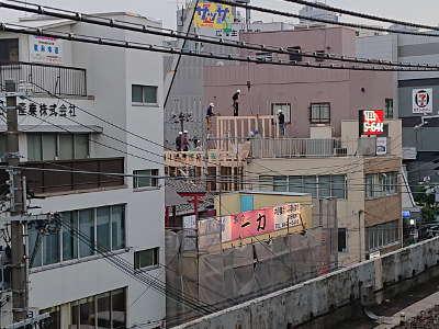 木造3階建ビル?
